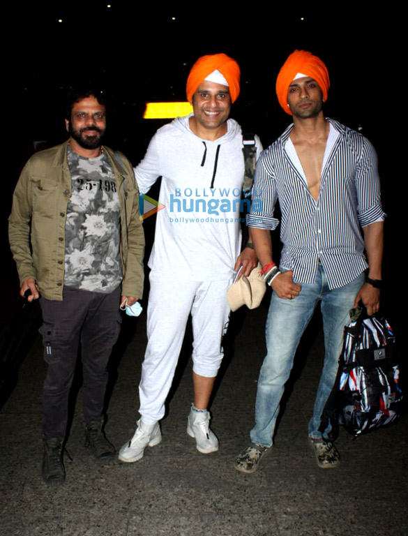 Photos Tamannaah Bhatia, Krushna Abhishek and Angad Bedi snapped at the airport (2)