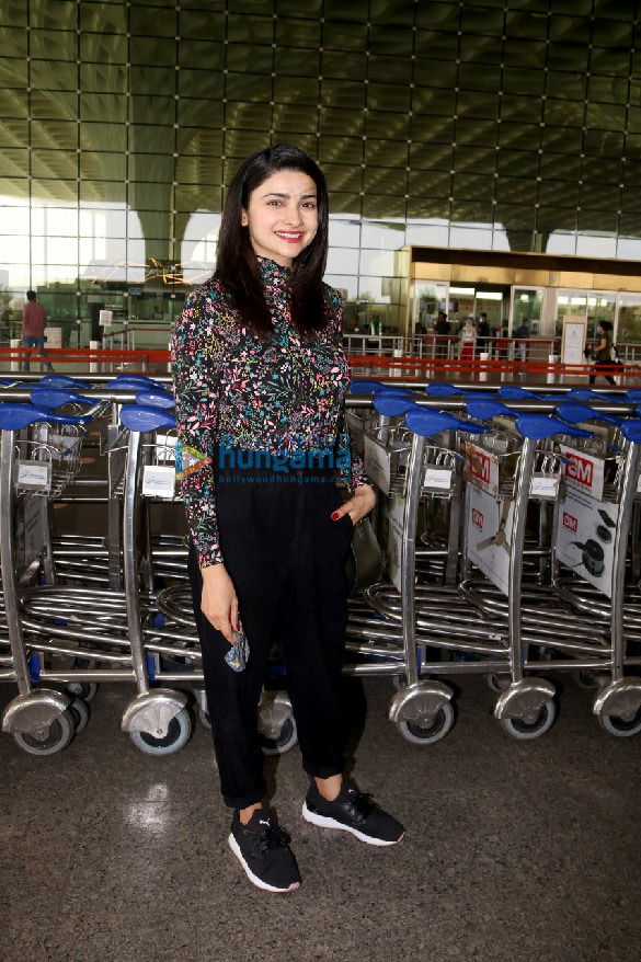 Photos Tamannaah Bhatia, Sonal Chauhan, Prachi Desai and others snapped at the airport (4)