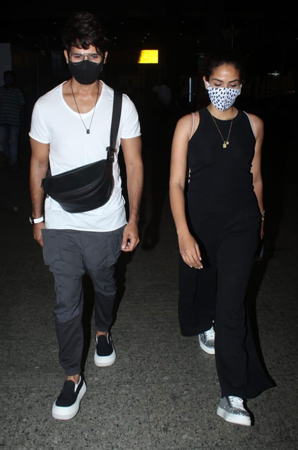 Rajkummar Rao, Patralekha, Sunny Deol, Kangana Ranaut and others snapped at the airport-00252 (1)