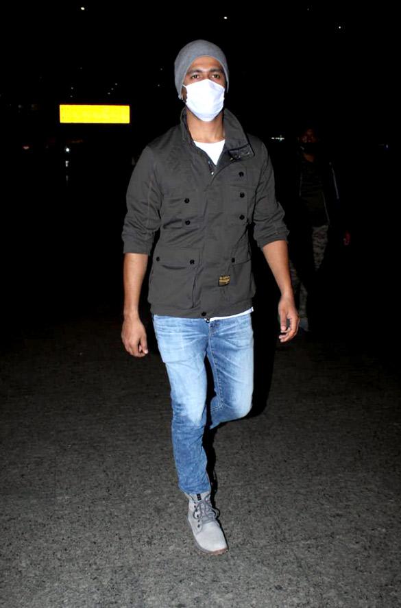 Rajkummar Rao, Patralekha, Sunny Deol, Kangana Ranaut and others snapped at the airport-0058 (2)0