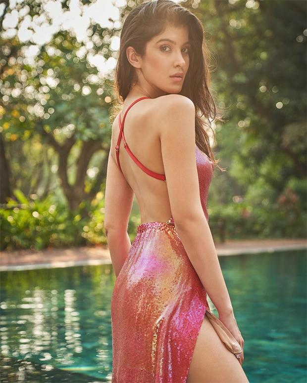 Shanaya Kapoor pairs metallic backless top with asymmetric mini skirt for sexy photoshoot