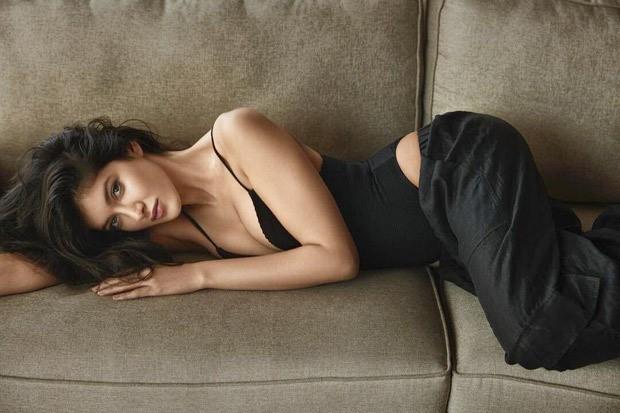 Shanaya Kapoor sets the temperature soaring in black bodysuit and pants 2