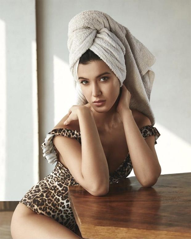 Shanaya Kapoor sizzles in leopard print off-shoulder bodysuit