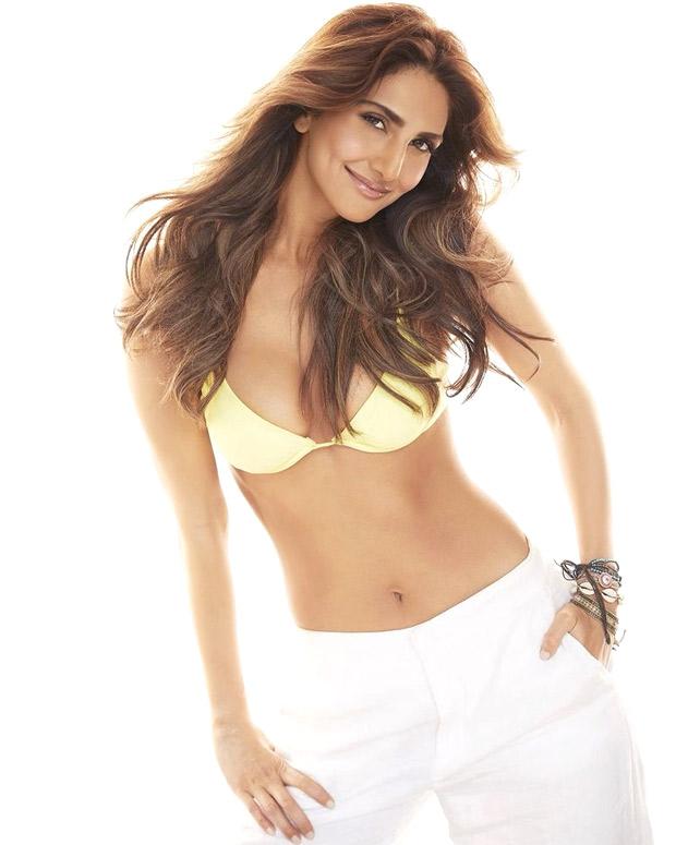 Vaani Kapoor adds oomph factor in yellow bikini top in her latest bold photos 4