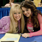 Miley Cyrus sends Hannah Montana cast, Joe Jonas, Selena Gomez heartfelt letters; pens her thoughts as Disney show completes 15 years
