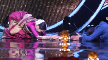 Jay Bhanushali does a Sashtang Dandavat for Rekha on the sets of Indian Idol Season 12