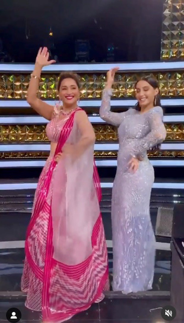 Madhuri Dixit and Nora Fatehi groove to the beats of 'Mera Piya Ghar Aaya' on Dance Deewane 3 set, watch video
