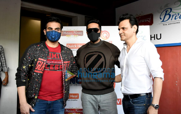 Photos Ayushmann Khurrana spotted for the shoot of Arbaaz Khan's chat show (2)