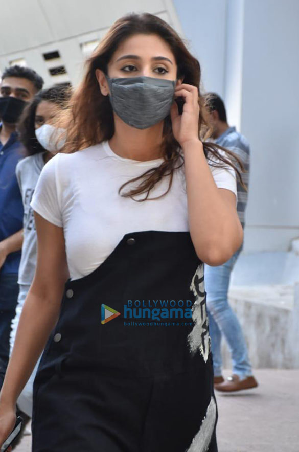 Photos Dhvani Bhanushali spotted in Andheri (1)