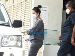 Photos: Kareena Kapoor Khan snapped outside a clinic in Bandra