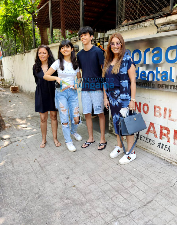 Photos Mahima Choudhary snapped with her kids at a clinic in Juhu (3)