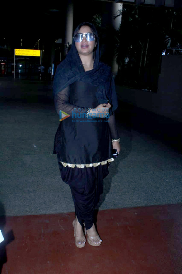 Photos Ranbir Kapoor, Alia Bhatt, Nikita Dutta and others snapped at the airport (3)