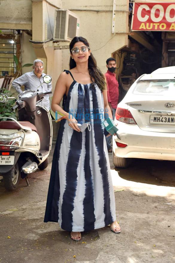 Photos Shamita Shetty snapped at a salon in Juhu (1)