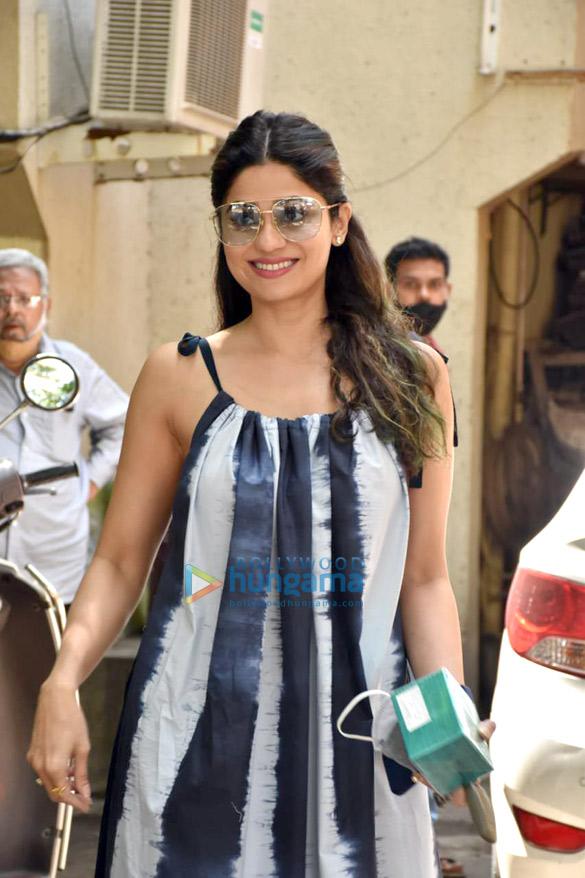 Photos Shamita Shetty snapped at a salon in Juhu (3)
