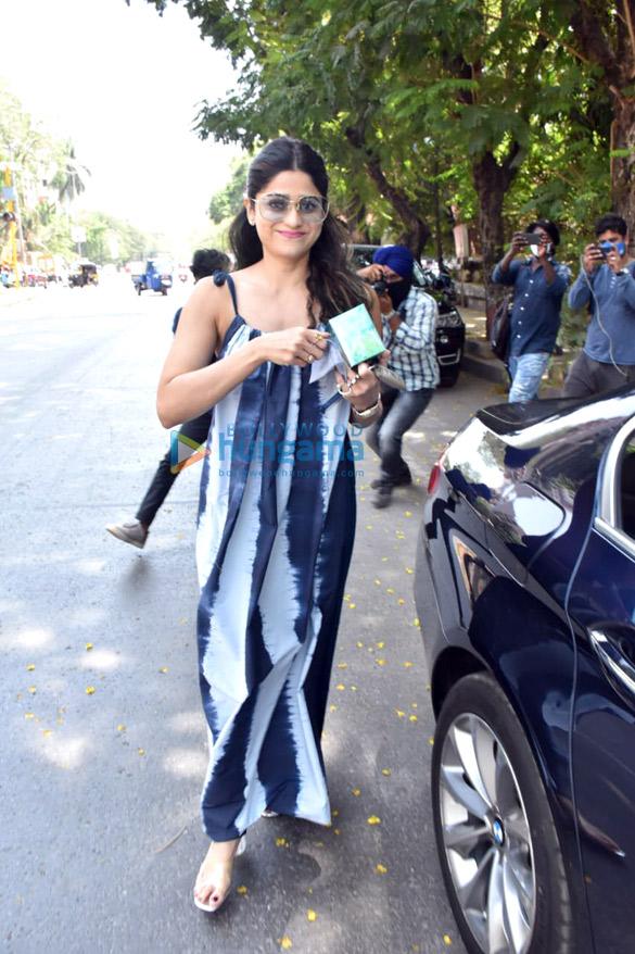 Photos Shamita Shetty snapped at a salon in Juhu (4)