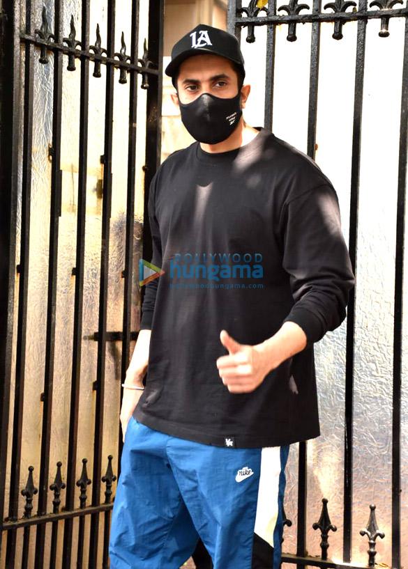 Photos Sunny Singh Nijjar snapped at Luv Ranjan's office in Juhu (2)