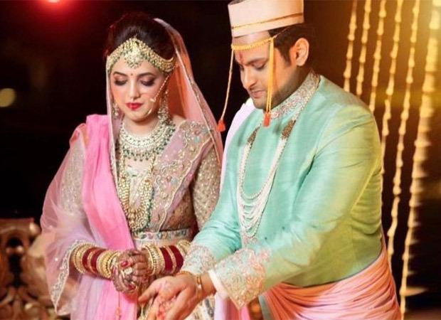 कॉमेडियन सुगंधा मिश्रा ने अपनी शादी के दौरान COVID-19 नियमों की धज्जियां उड़ाने के लिए बुक किया