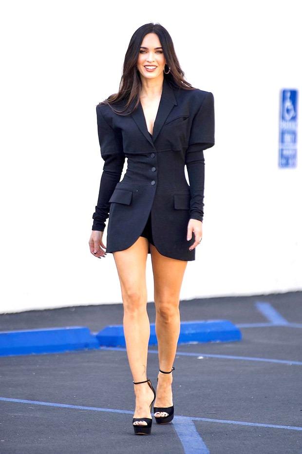 Megan Fox's corset blazer with voluminous shoulders add fun and drama to puff-sleeve trend
