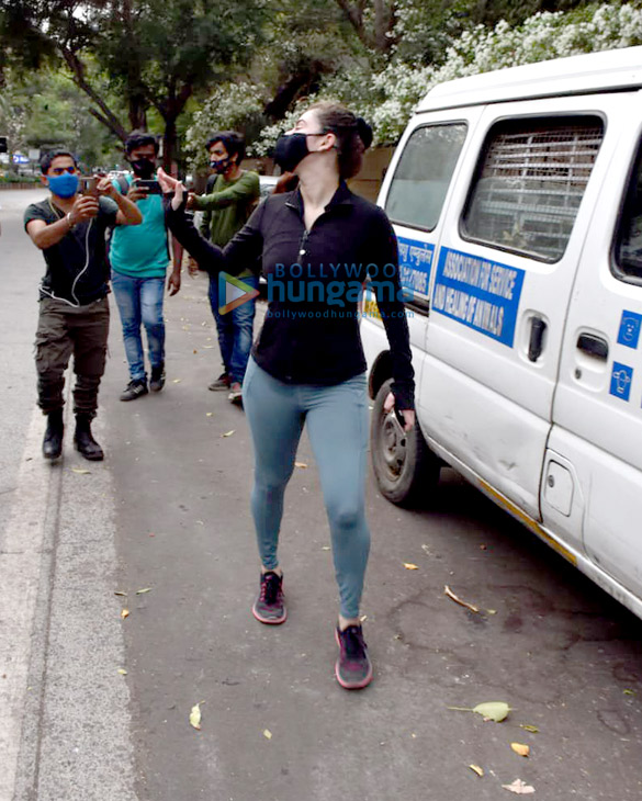 Photos Shivalika Oberoi spotted in Andheri (2)