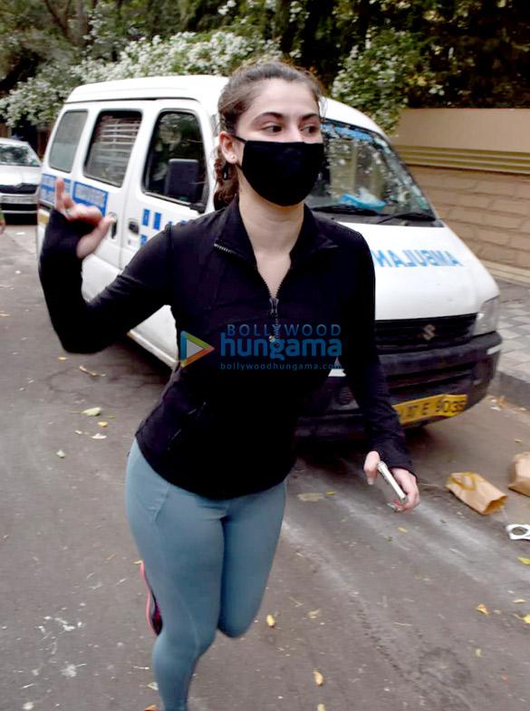 Photos Shivalika Oberoi spotted in Andheri (3)