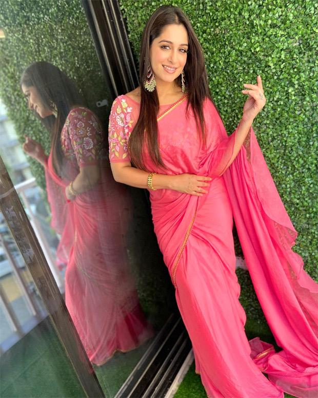 Sasural Simar Ka actress Dipika Kakkar shoots for a special episode of Dance Deewane 3 from home for Madhuri Dixit's birthday
