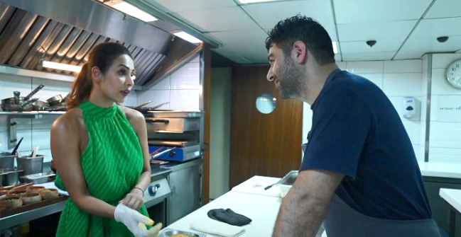 Star Vs Food: Malaika Arora shows her culinary skills, cooks her mother's recipe Malabar Fish Curry