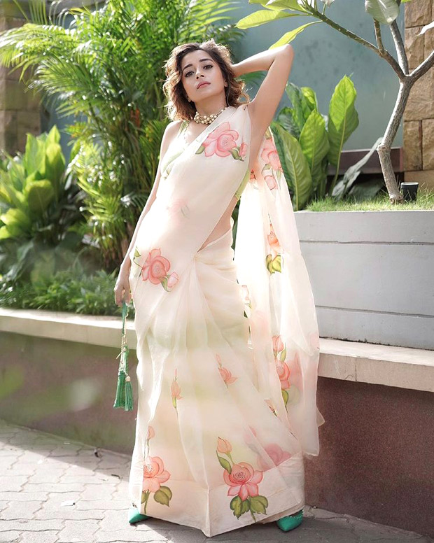 Tina Datta makes us ditch summer outfits for floral organza saree