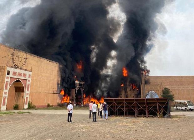 Major fire breaks out on the sets of Ashutosh Gowarker's film Jodhaa Akbar in ND Studios