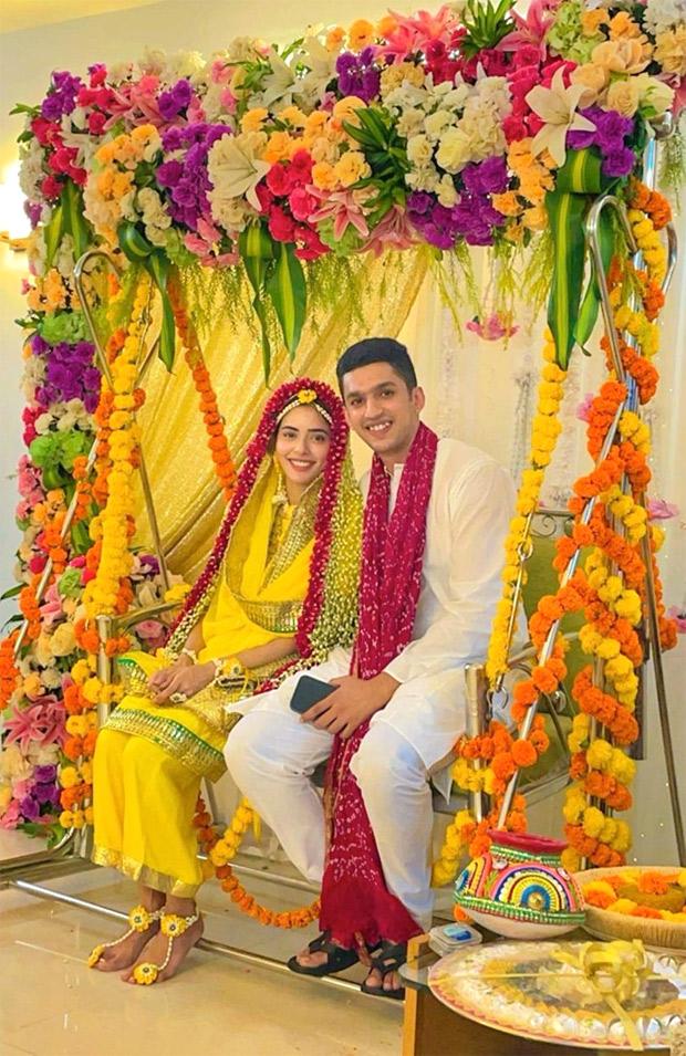 Divya Drishti actress Sana Sayyad and her beau Imaad Shamshi look stunning during their haldi ceremony, see pictures