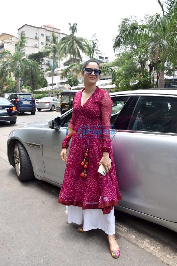 Photos Ankita Lokhande snapped at Kamal Jain's office in Juhu (4)