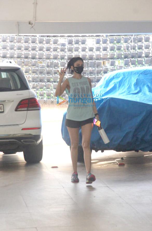 Photos Rakul Preet Singh spotted in Bandra (1)