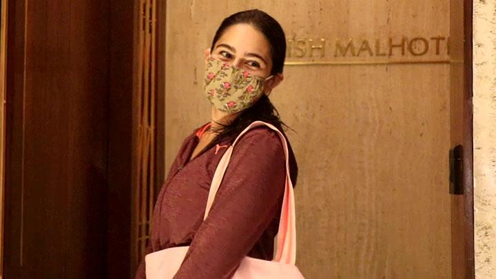 Sara Ali Khan spotted at Manish Malhotra's house in Bandra