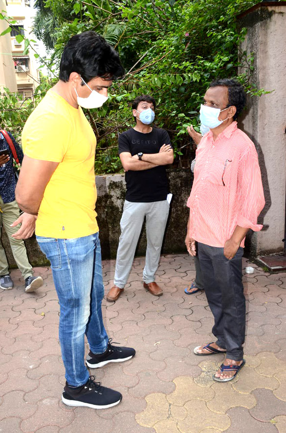 Sonu Sood snapped at his residence (3)