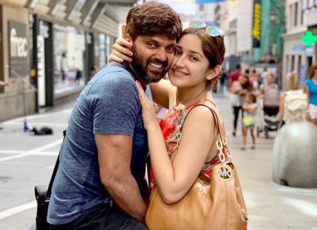 Dilip Kumar's grandniece Sayyeshaa Saigal and South Indian actor Arya became parents to a baby girl, actor Vishal shares the news on Twitter