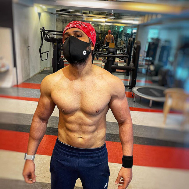 Emraan Hashmi undergoes physical transformation for Tiger 3, flaunts his chiselled abs and muscles