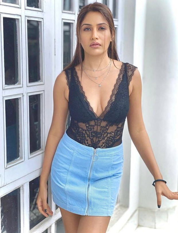 Isqhbaaz actress Surbhi Chandna makes a bold statement in black lace top paired with denim mini skirt