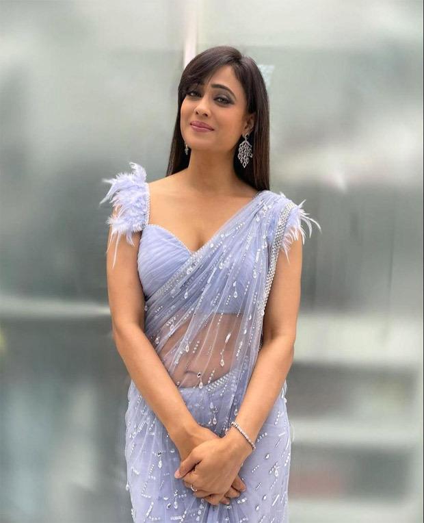 Khatron Ke Khiladi 11 star Shweta Tiwari looks riveting in ice blue embellished saree worth Rs. 90,000 for Rahul Vaidya - Disha Parmar's wedding reception