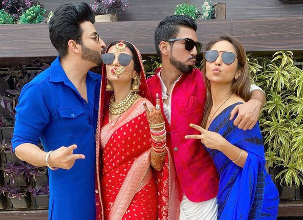 Kundali Bhagya's Dheeraj Dhoopar and wife Vinny Arora pose with newlyweds Shiny Doshi and Lavesh Khairajani at latter's wedding