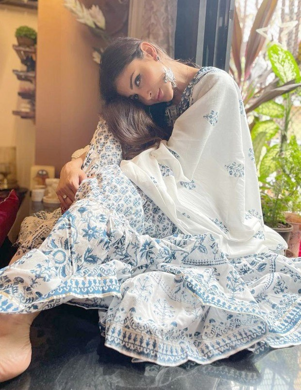 Mouni Roy looks elegant as ever in block printed blue and white sharara worth Rs. 7,850