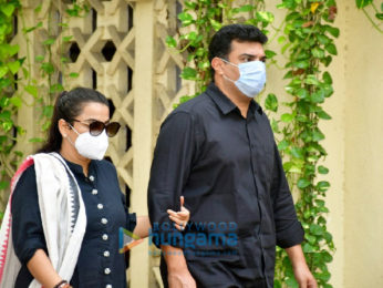 Photos: Celebs arrives at Dilip Kumar's residence to pay their last respects
