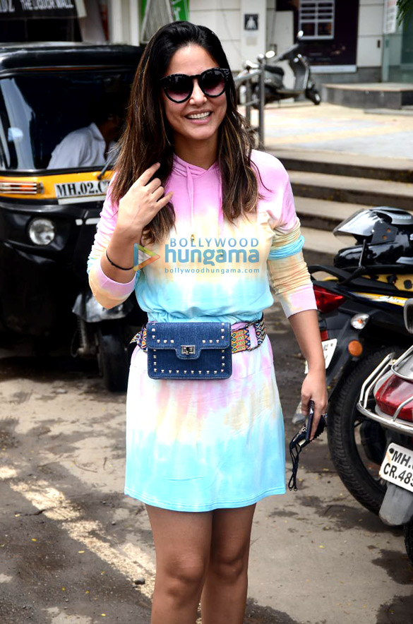 Photos Hina Khan spotted at Crystal Point Mall in Andheri (2)