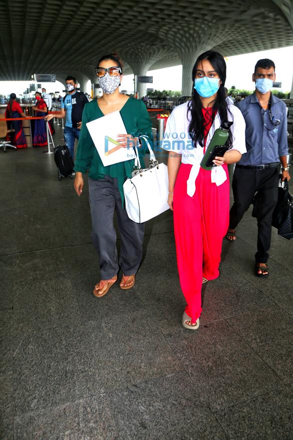 Photos: Kajol and Nysa Devgan snapped at the airport