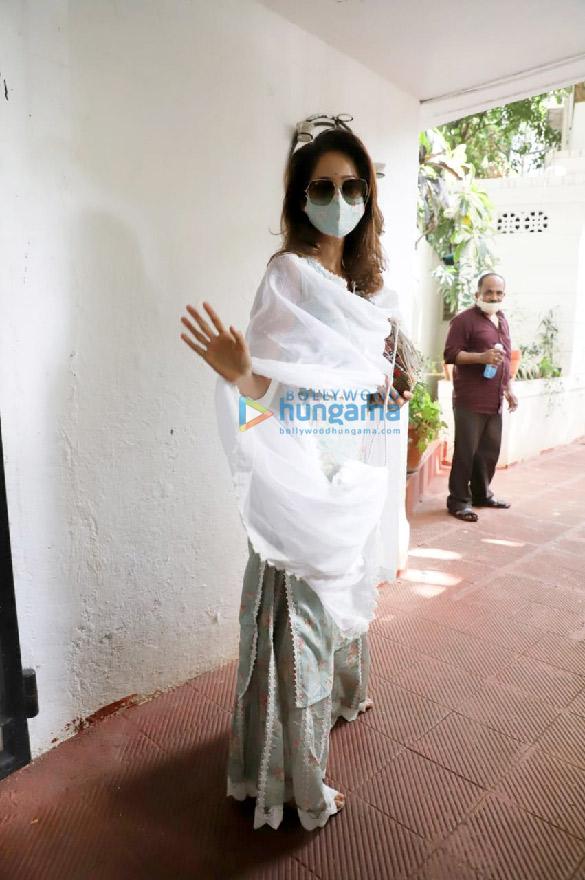 Photos: Mouni Roy and Vidya Malvade spotted at Mandira Bedi's house for condolence meet