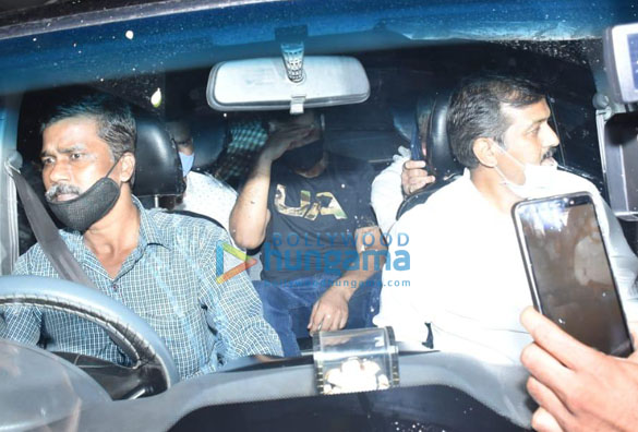 Photos Raj Kundra spotted leaving his house in Juhu (6)