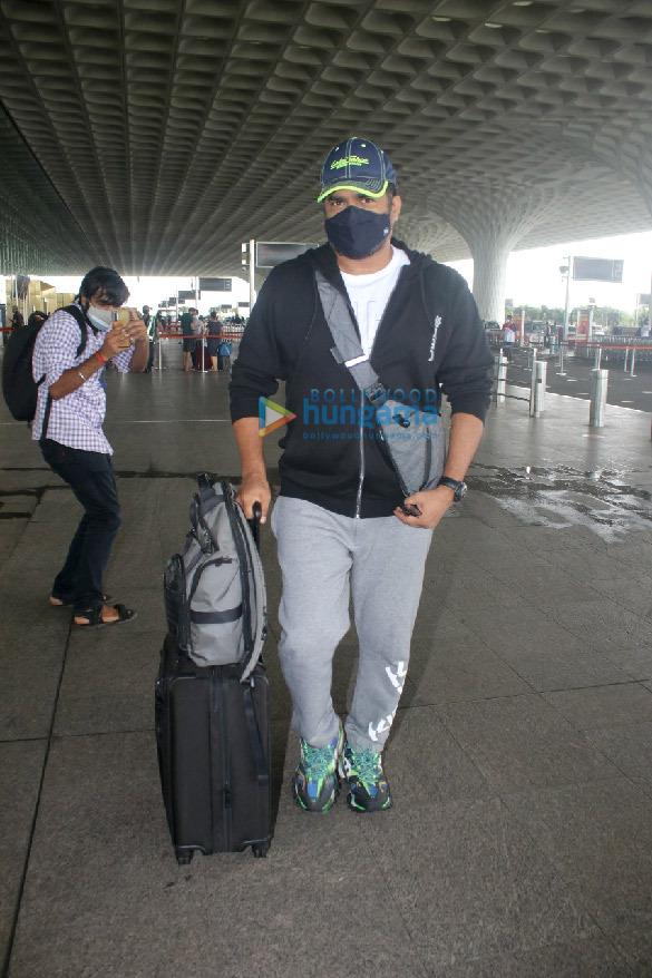 Photos Ranveer Singh, Rakul Preet Singh, Sonam Kapoor Ahuja and others snapped at the airport (2)