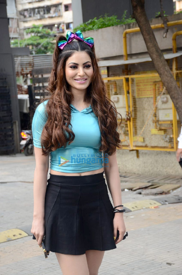 Photos Urvashi Rautela spotted at Crescent Royale building (2)