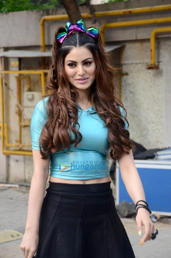 Photos Urvashi Rautela spotted at Crescent Royale building (4)