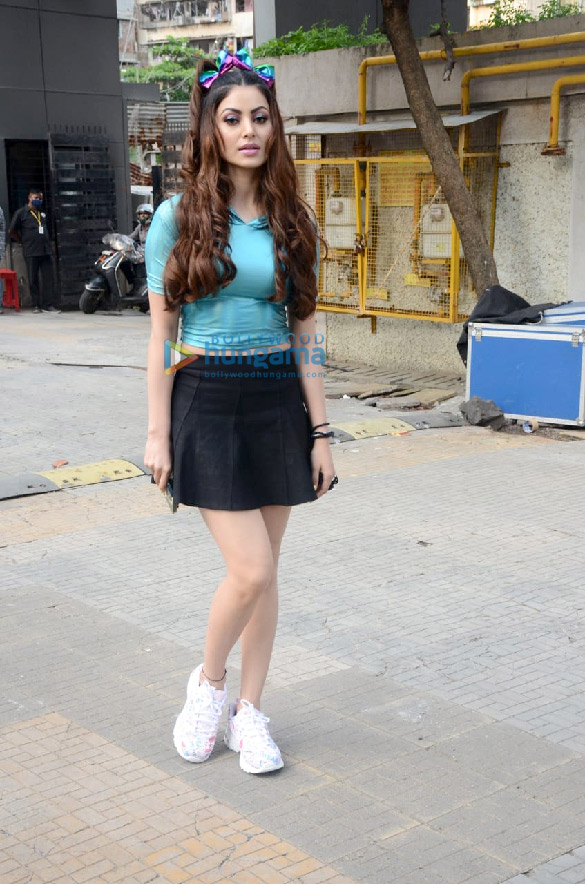 Photos Urvashi Rautela spotted at Crescent Royale building (5)