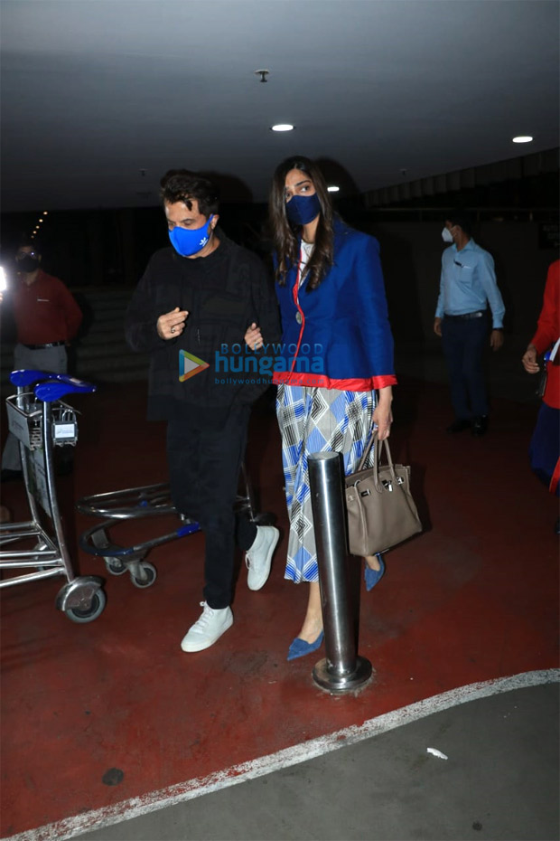 Sonam Kapoor returns to Mumbai after a year, breaks down upon seeing dad Anil Kapoor at the airport