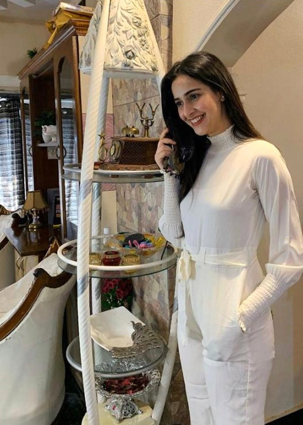 Take style cues on how to style your whites from Raksha Bandhan actress Sadia Khateeb
